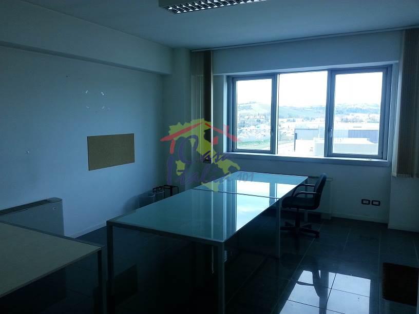 Ufficio Casa Immobiliare : Immobiliare casa italia 101 ufficio in affitto a osimo prezzo: 600 u20ac